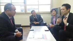 信濃町横川町長(左端)と荒井町議、石坂千穂さん。永原町議もごいっしょでした