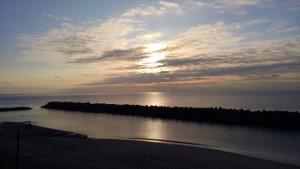 城ヶ浜温泉の宿から見た日の出はきれいでした。