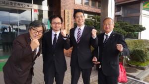 左から、中川直美市議、にしざわ新潟選挙区予定候補、私、中村良夫市議。