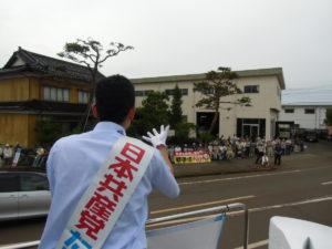 長岡市宮内での街頭演説の様子。ここでも大勢集まっていただきました。ありがとうございました。