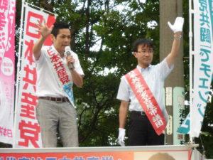 中村区で藤井市議と宣伝。次々と激励いただいて、演説がとぎれとぎれになるほどでした!