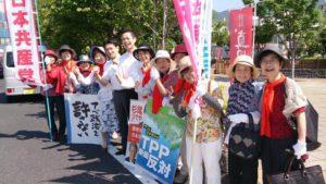 朝、真田丸で注目のJR上田駅前で藤野さんと合流の際、ばったりレッドアクションのみなさんと!ともに、ガンバロー!!